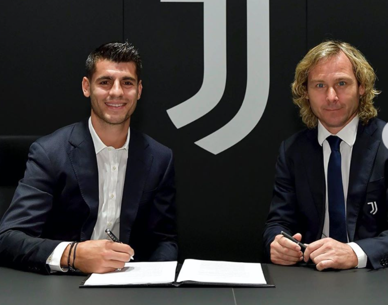 Alvaro Morata signing wih the team, Juventus