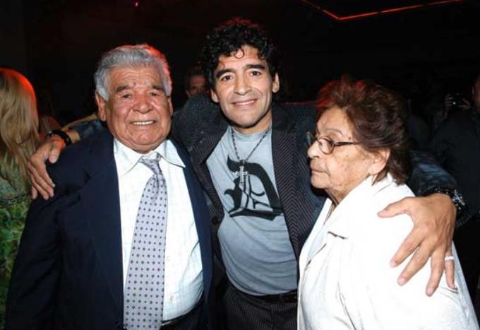 Diego Maradona parents