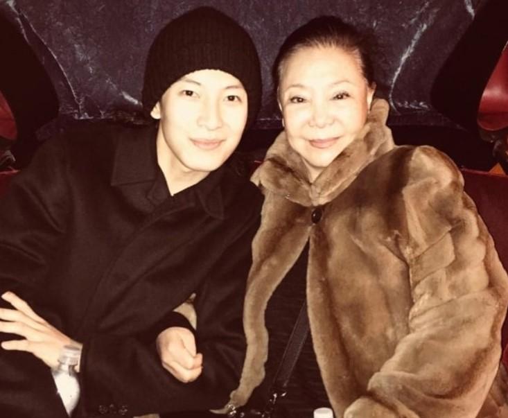 Alexander Wang mother
