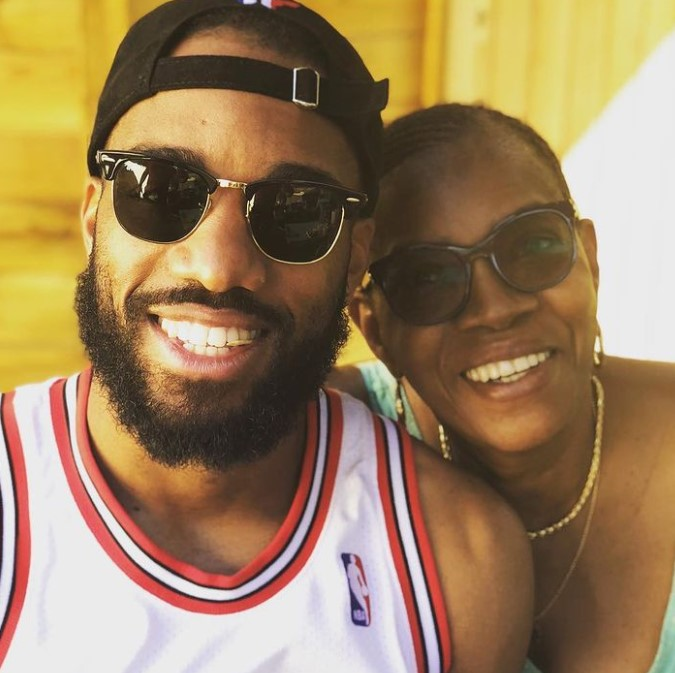 Lacazette mother