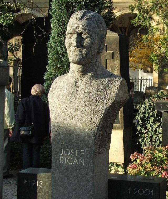 Josef Bican retire