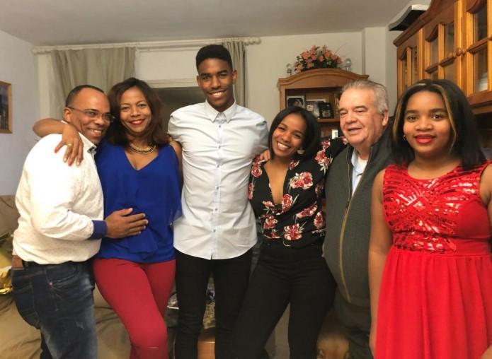 Junior Firpo family