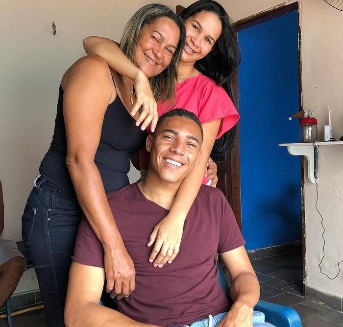 Carlos Vinicius family