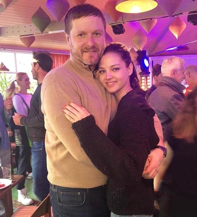 Alesya Kafelnikova father
