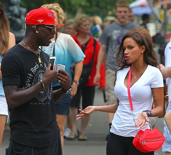 Mario Balotelli dating