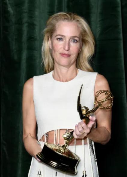 Gillian Anderson wins Emmy 2021