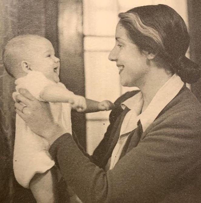 Alexandra Hedison mother