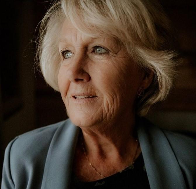 Ingrid Falaise mother