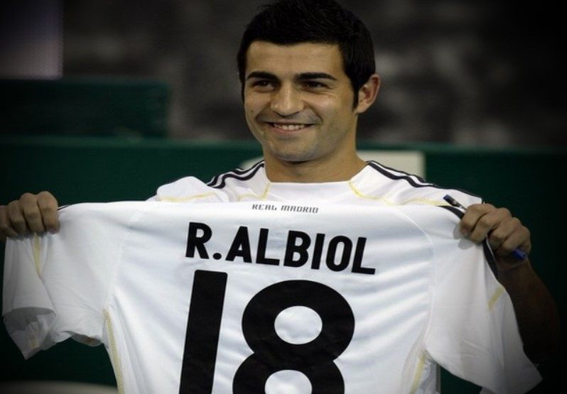 Raul Albiol Real Madrid