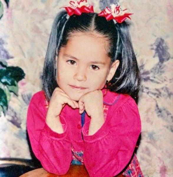 Andrea Meza young