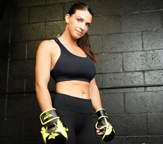 Mackenzie Dern, Professional MMA Fighter