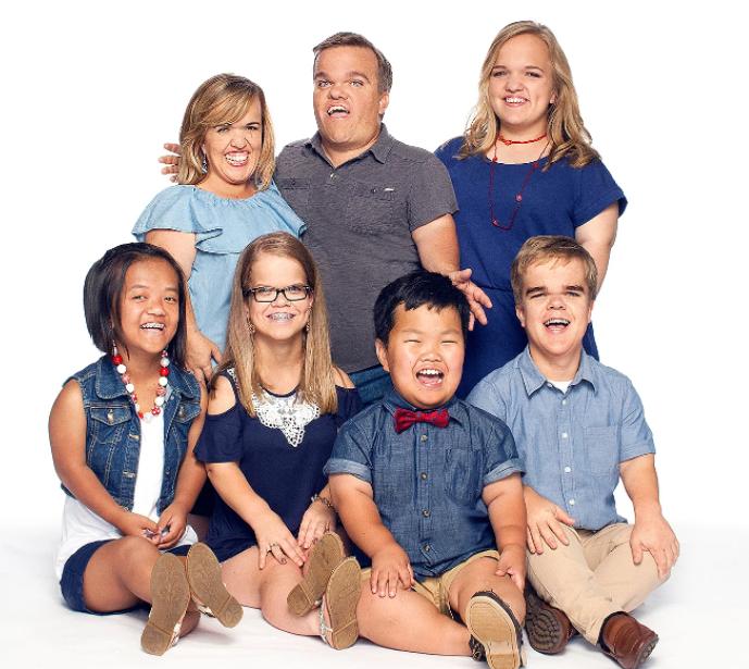Anna Johnston in '7 Little Johnstons' alongside her family