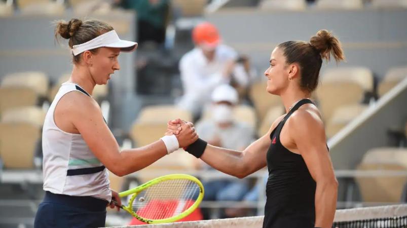 Barbora Krejcikova set up French Open final with Anastasia Pavlyuchenkova defeating Maria Sakkari