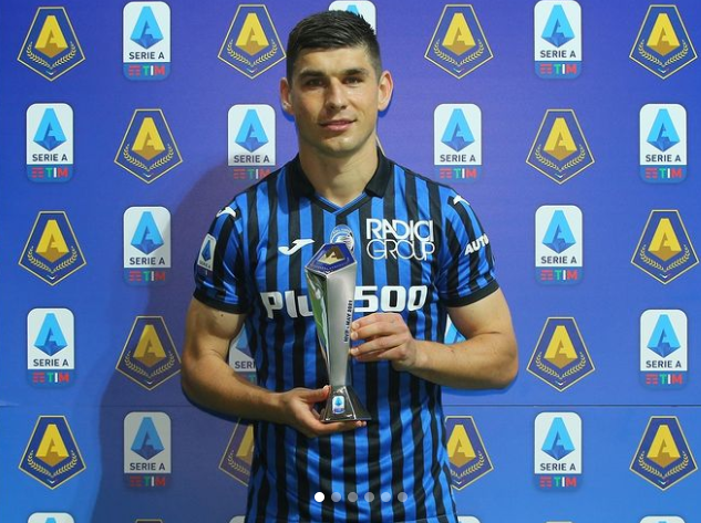 Ruslan Malinovskyi with his award
