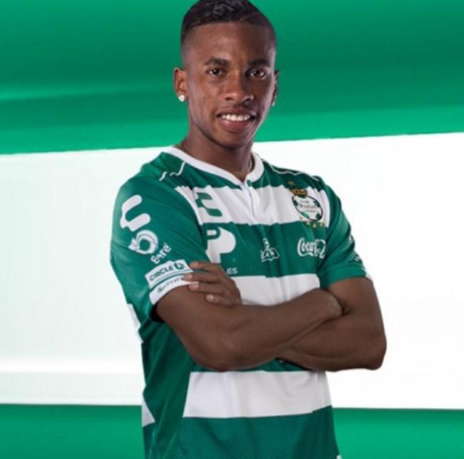 Ayrton Preciado Santos Laguna