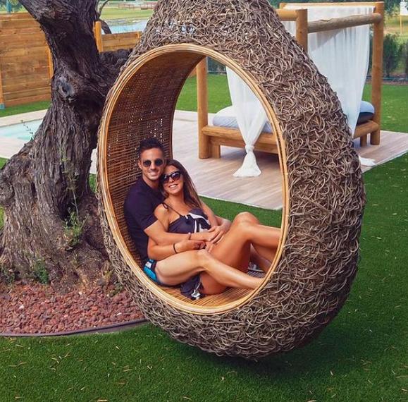 Pablo Sarabia and his girlfriend, Carmen Mora