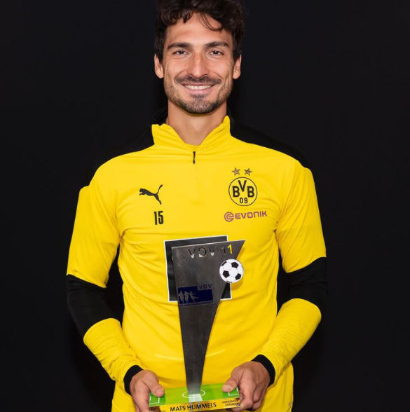 Mats Hummels With His Achievement