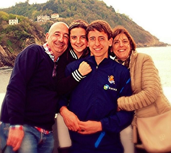 Mikel Oyarzabal family
