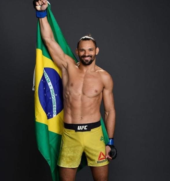 Michael Pereira, Brazilian Professional Mixed Martial Artist