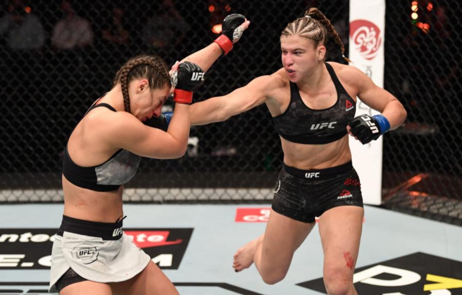 Miranda Maverick Punching Against The Opponent