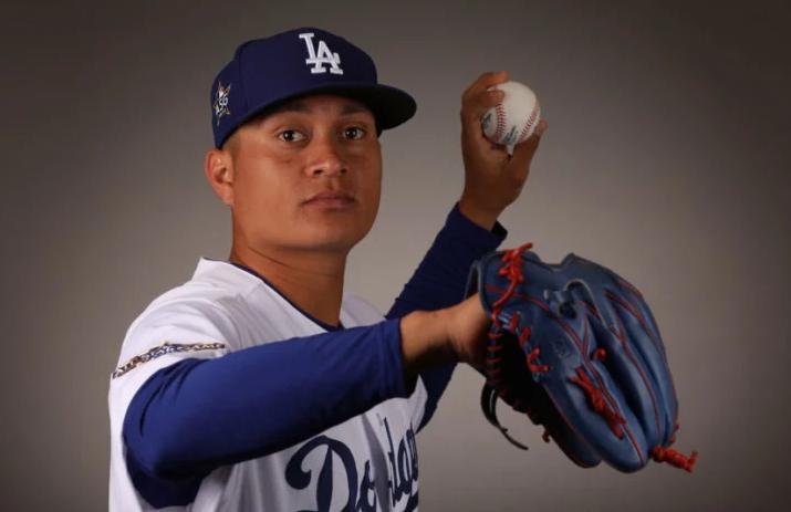 Mexican baseball player, Victor Gonzalez