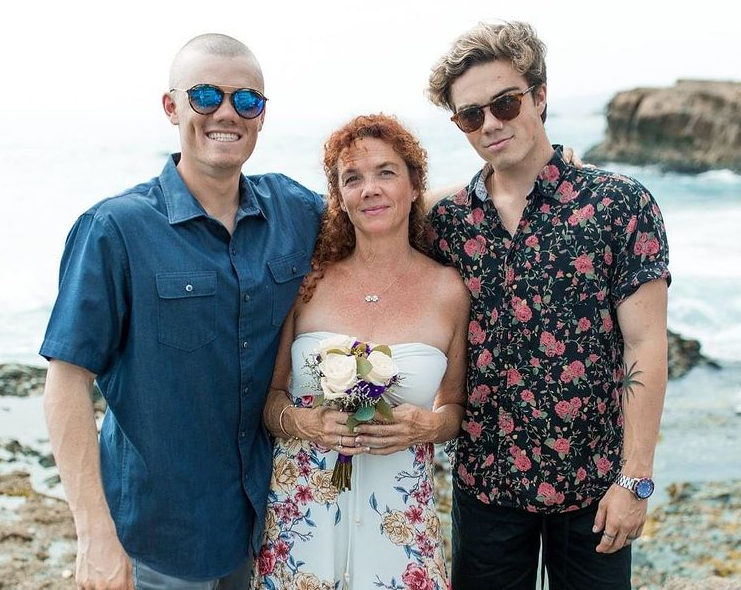Jordan Beau with his mom and sibling