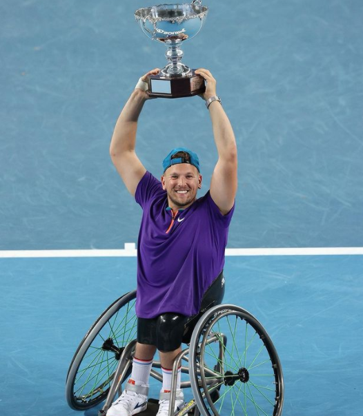 Dylan Alcott with his achievement