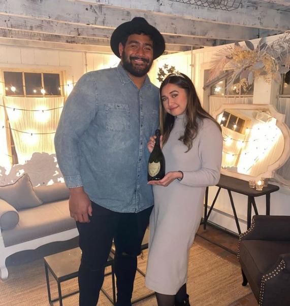Jordan Mailata and his beautiful girlfriend, Niki