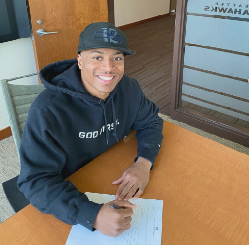 Tyler Lockett signed a four-year, $69.2 million contract extension with $37 million guaranteed with the Seahawks