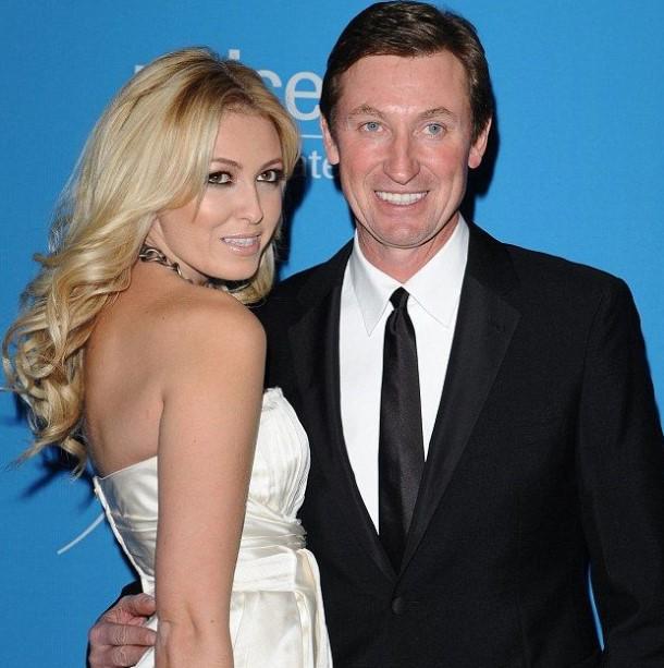 Paulina Gretzky father