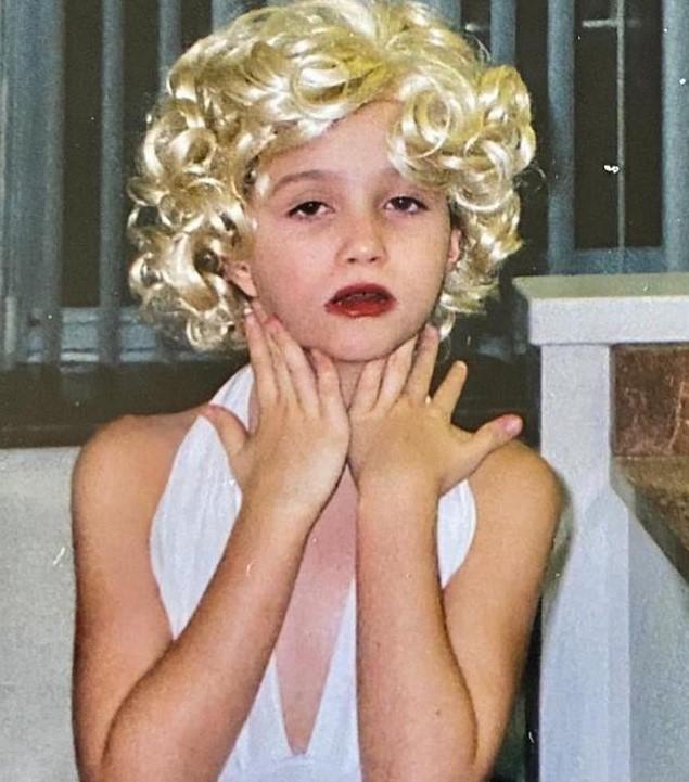Julia Goldani Telles young