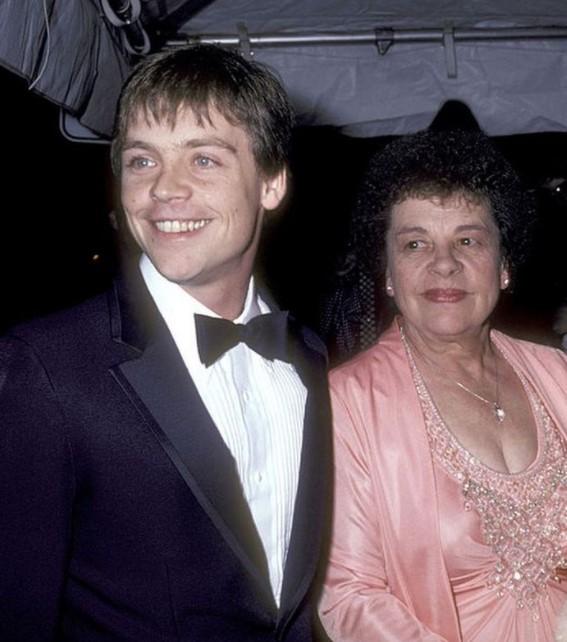 Mark Hamill mother