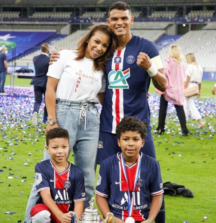Thiago Silva wife