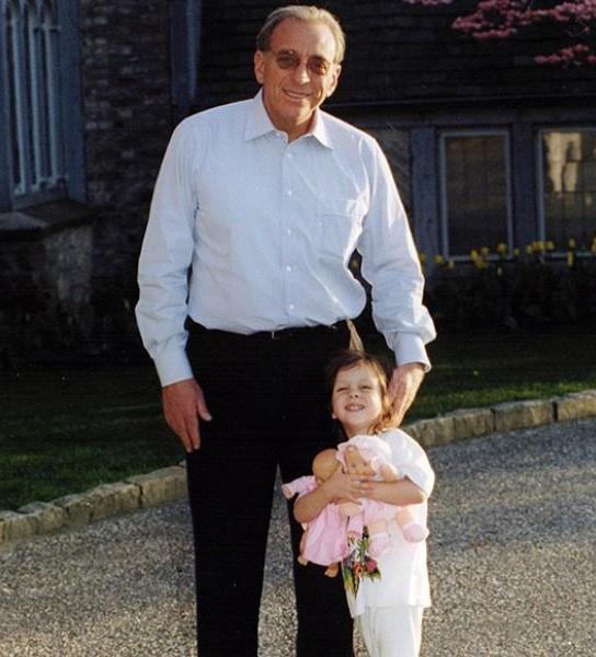 Nicola Peltz father
