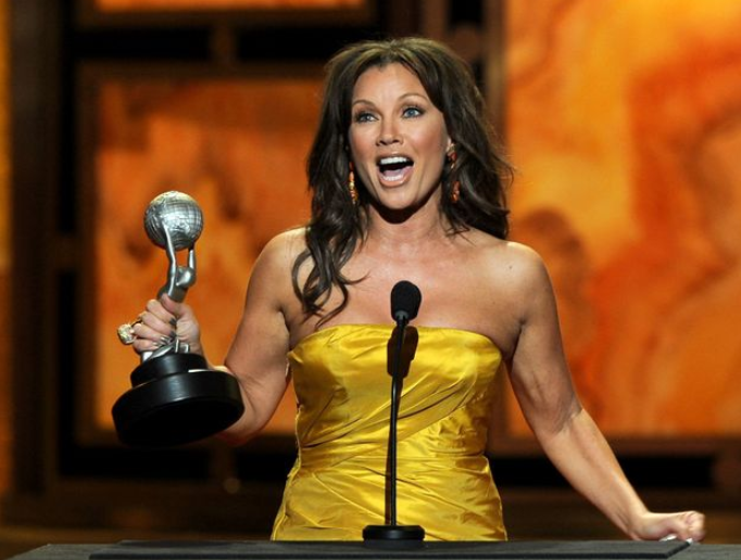 Vanessa Williams with her sixth NAACP Image Award